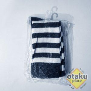 medias rayadas blanco y negro